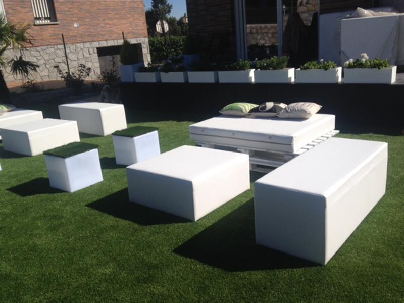 Mobiliario chill out alquiler muebles eventos - Decoracion chill out ...