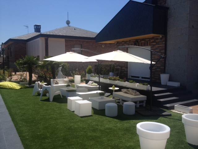 Mobiliario chill out alquiler muebles eventos for Chill out jardin