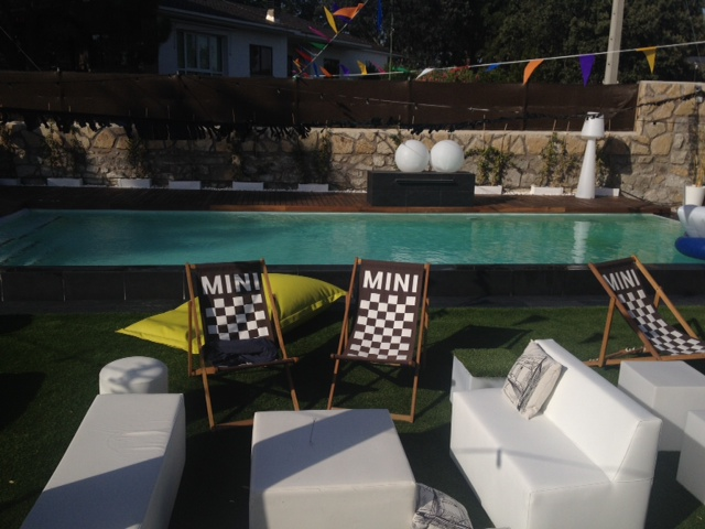 alquiler muebles chill out Mini Madrid