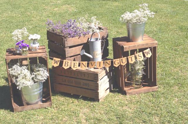 Decoracion con cajas de fruta blog alquiler muebles eventos - Cajas de fruta de madera ...