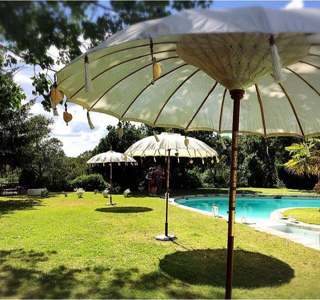 Sombrillas Grandes Para Jardin Stunning Diseno De Jardines Modernos